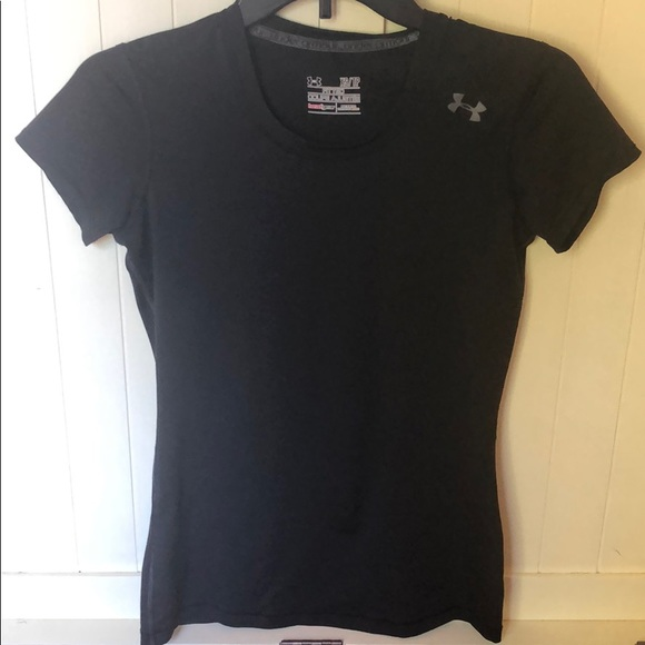 Under Armour Tops - Under Armour fitted Heatgear t-shirt